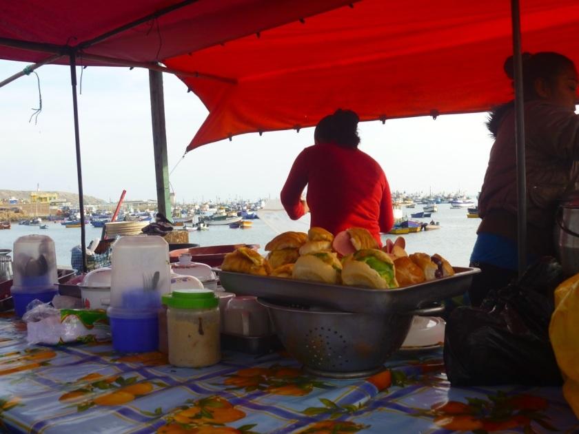 Frühstück im Hafen